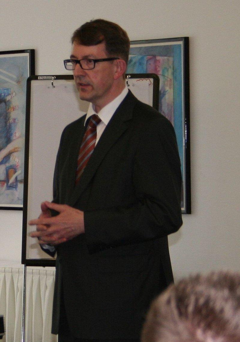 professor winfried kluth